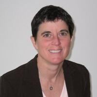 Stacy Barnett headshot